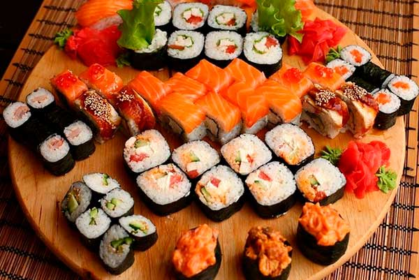 Почему суши считаются полезной пищей?