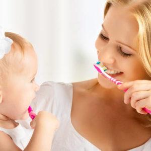 Развитие хороших привычек ухода за зубами с раннего возраста