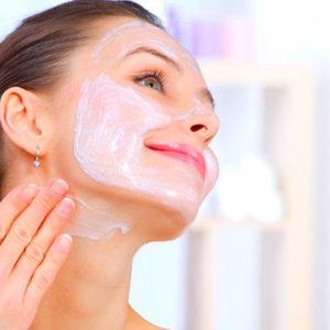 Применение аптечных средств для омоложения кожи