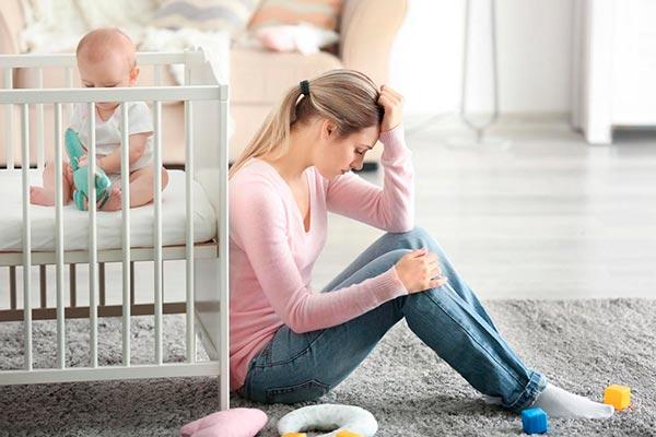 Послеродовая депрессия - причины и последствия
