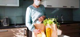 Как посещать пожилых родственников во время карантина
