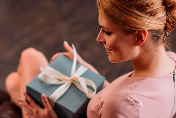 Как сделать подарок необычным и запоминающимся?