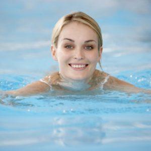 Как быстро научиться плавать взрослому человеку?