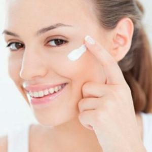 Секреты по уходу за кожей вокруг глаз