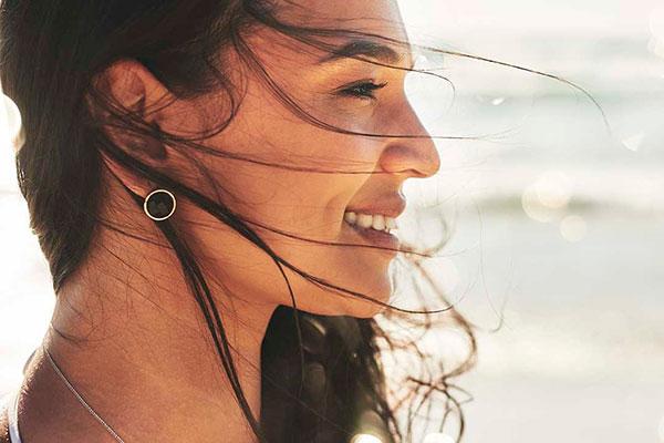 Каким должен быть уход за кожей лица летом?