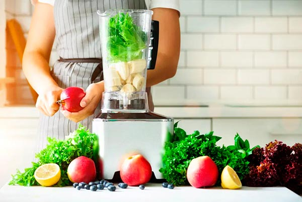 Полезные коктейли из овощей и фруктов для похудения