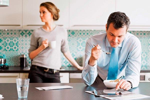Муж-трудоголик. Что делать, если муж постоянно пропадает на работе?