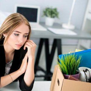 Неожиданно уволили с работы: что делать?