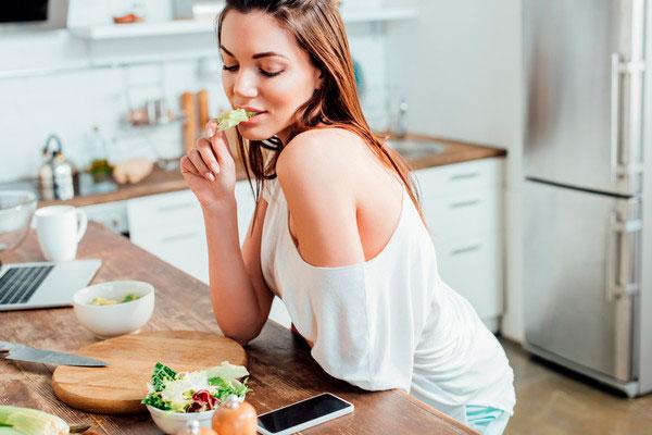 8 советов, которые помогут вам научиться правильно питаться