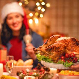 Как не отказывать себе в праздничных блюдах и не переесть: 7 советов