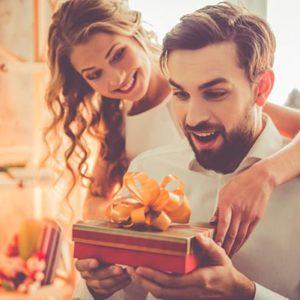 50 идей, что подарить парню