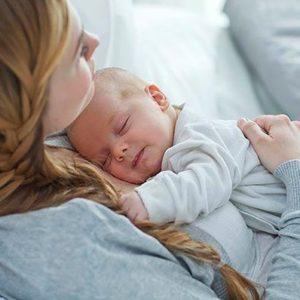 Что дает женщине материнство?