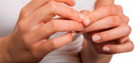 Причины ломких ногтей