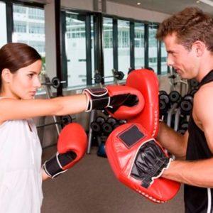 Стоит ли женщине заниматься боксом и кикбоксингом?