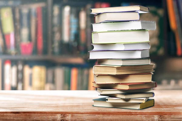 ТОП-10 книг, которые можно подарить на любой праздник