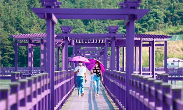 Как выглядит самое фиолетовое место на Земле? (фото)