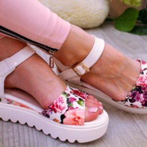 Модные босоножки - во что обуть свои ножки этим летом