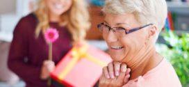 Подарок родителям: как выбрать?