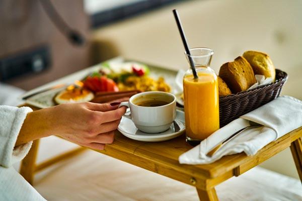 Завтрак в постель – что подать? Советуем!