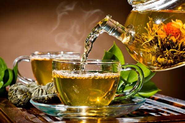 Чай черный или зеленый? Преимущества, вред и количество кофеина в одной чашке
