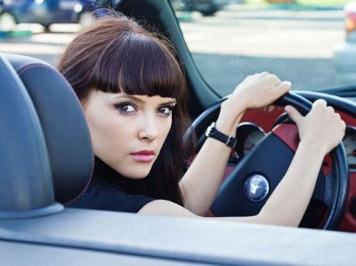 Женщина за рулем.  5 типов поведения