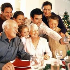 Как пережить семейные встречи и праздники?