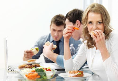 Прості правила харчування в офісі - поради для життя