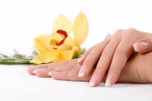 Польза и вред лаков для ногтей