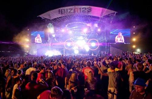 Ибица: самый популярный молодежный курорт в мире