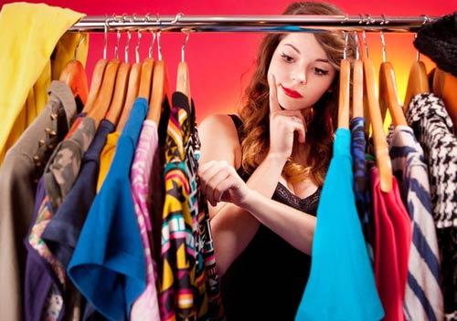Как подобрать гардероб при пышных формах