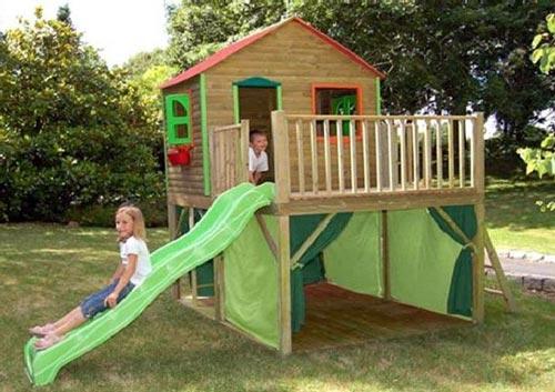 Домик на даче детям