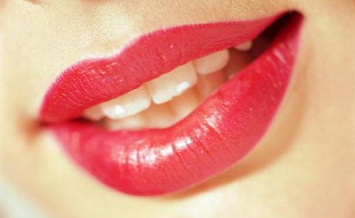 Наиболее частые ошибки при нанесении макияжа: губы