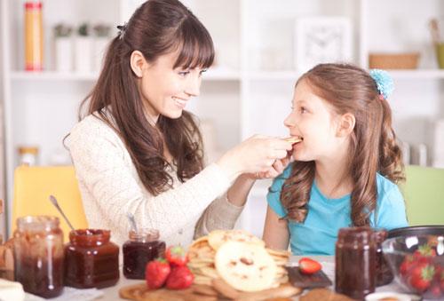 Привычка переедать рождается в детстве