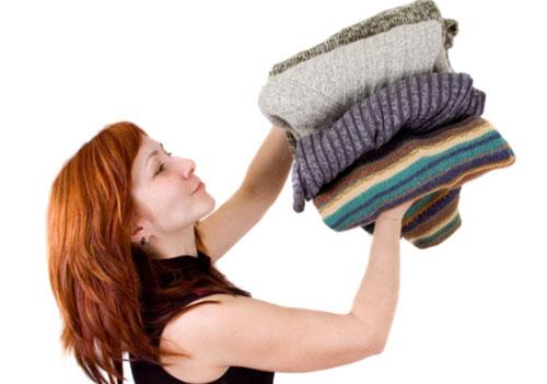 Как избавиться от запаха сырости в одежде
