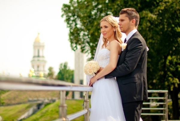 как с помощью свадьбы знакомых