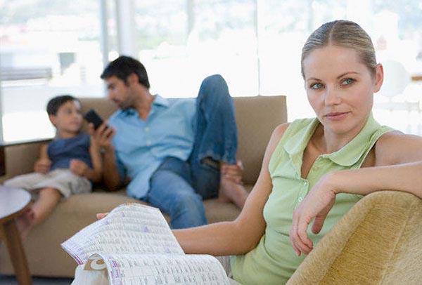 не знакомит с детьми от первого брака