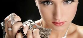 Как вернуть былой блеск серебряным изделиям