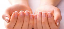 Слоящиеся ногти: причины и лечение