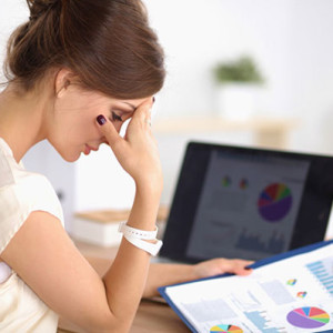 Как девушке справиться со стрессом на работе?