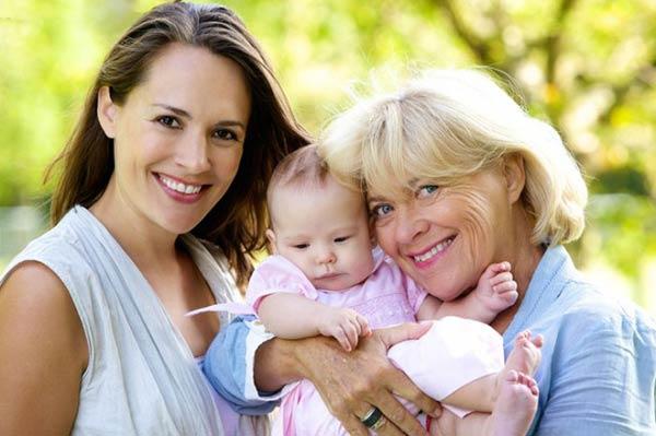 Как молодой маме справиться со всезнающей бабушкой