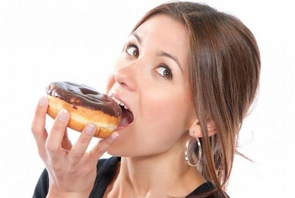 Как не переедать во время стресса?