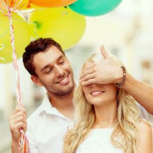 Что подарить девушке в первый месяц знакомства