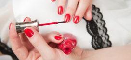 Как быстро и аккуратно накрасить ногти лаком?