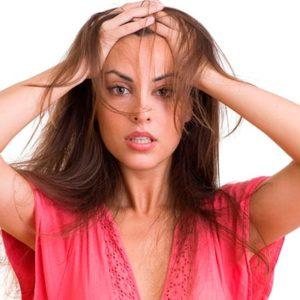 Выпадение волос: причины, симптомы и как остановить выпадение