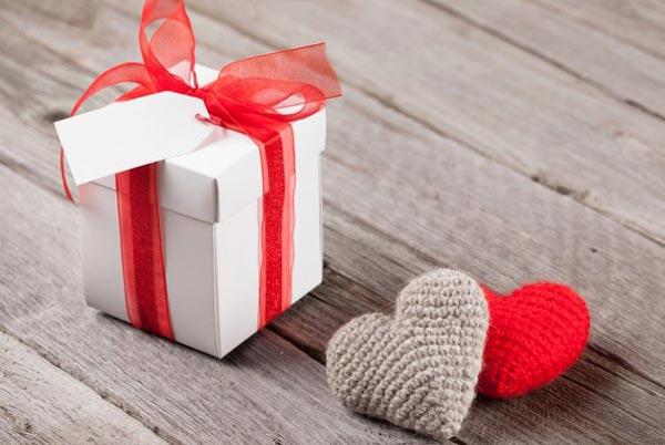 Как сделать подарок маме сердечки