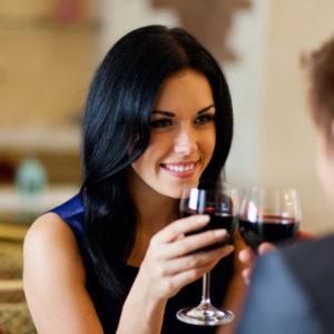 Почему на некоторых девушек обращают внимание исключительно женатые мужчины?