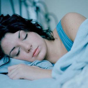 Как приучить себя вовремя ложиться спать