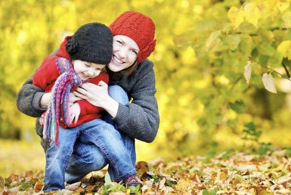 Прогулка с ребенком: как привить малышу любовь к прекрасному