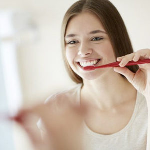 Сохранить здоровыми зубы – легко
