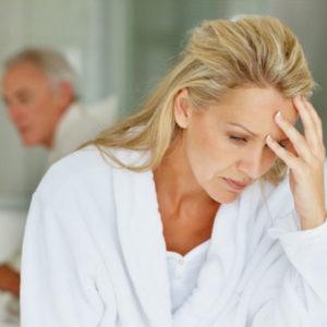 Климакс у женщин: симптомы и лечение